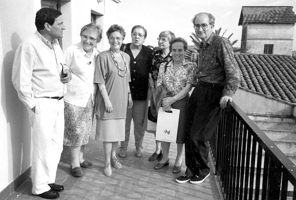 Els set fundadors de Rosa Sensat: Pere Darder, Marta Mata, Maria Antònia Canals, Maria Teresa Codina, Jordi Cots /  ARXIU ROSA SENSAT