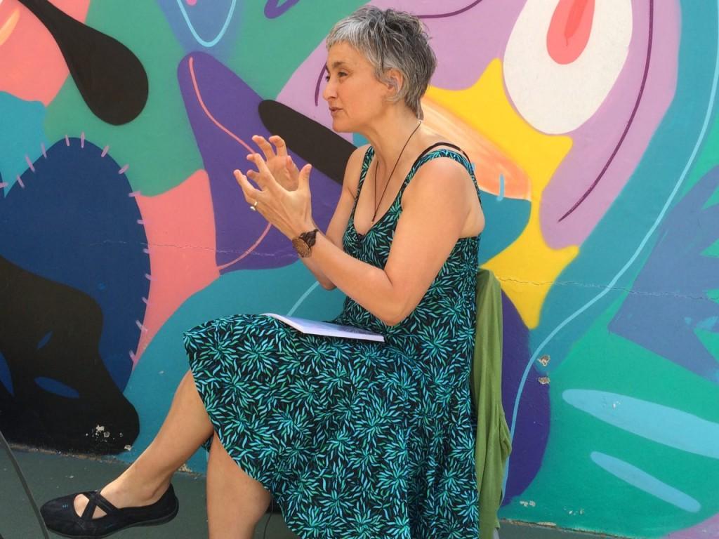 Heike Freire durante la entrevista