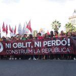 Milers d'estudiants es manifesten per reclamar unitat i reivindicar els resultats del referèndum