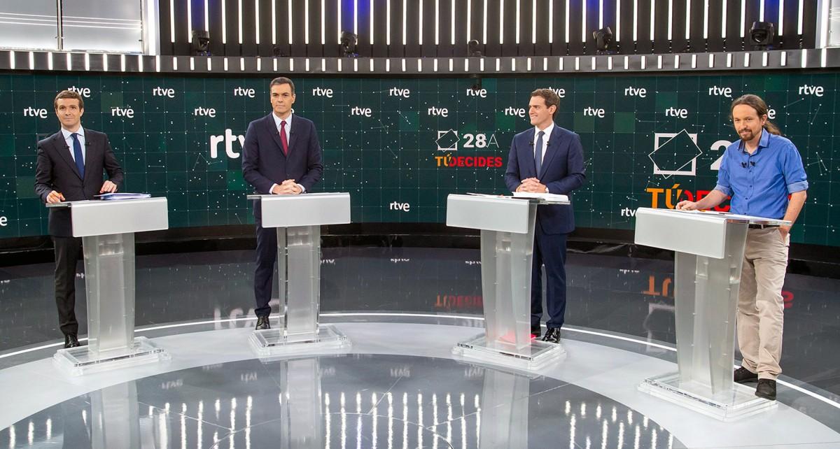 Més de 300 minuts de debats electorals; menys de 9 per l'educació